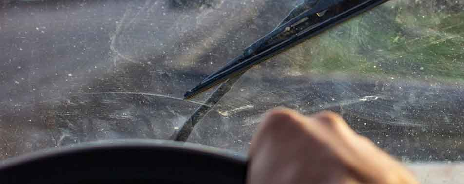 Guide-on-How-to-Clean-Inside-Car-Windshield