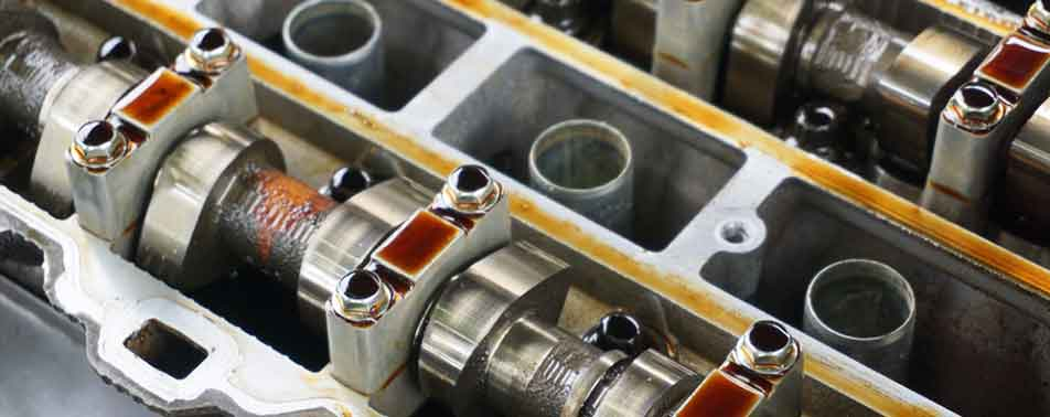 Best-Ways-to-Clean-Engine-Sludge